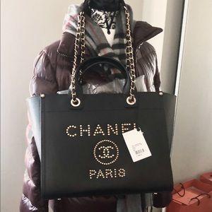 Chanel caviar deauville